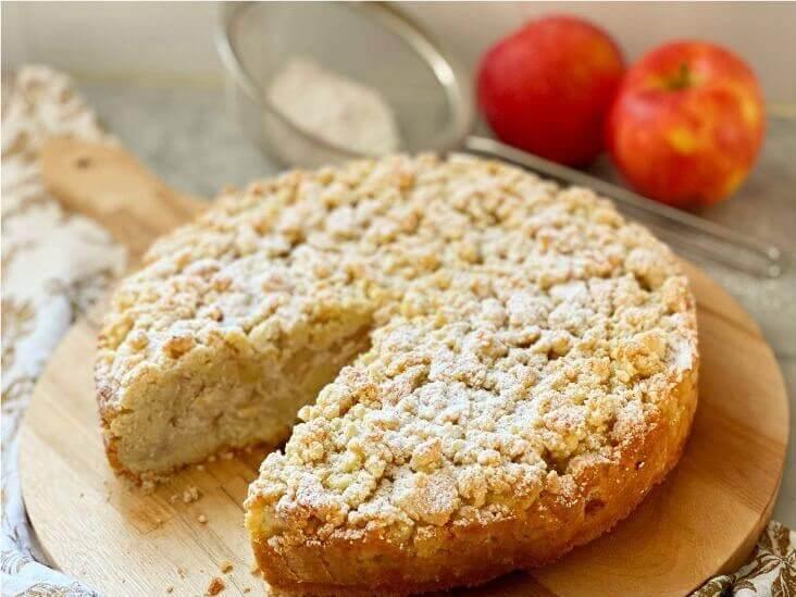 apple-almond-ricotta-crumb-cake