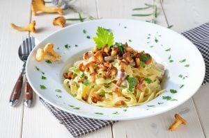 shallot-pasta-with-chanterelle-mushrooms