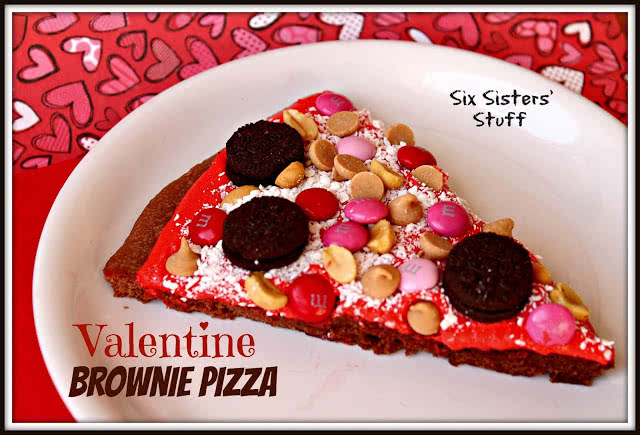 Valentine Brownie Pizza
