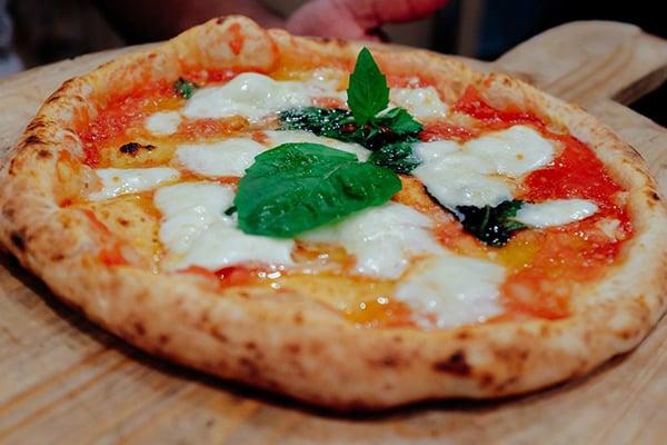 Pizzeria la Notizia Margherita Pizza