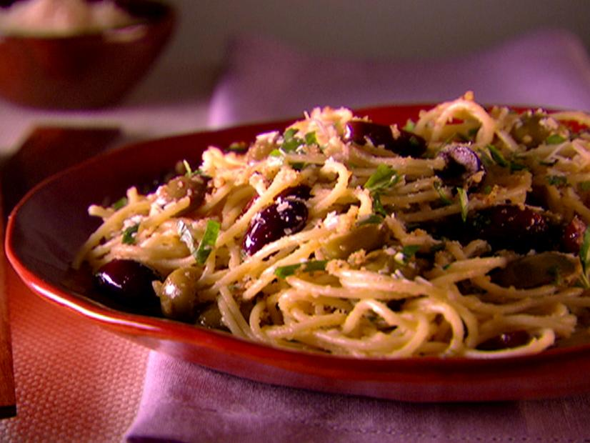 Spaghetti with Breadcrumbs and Olives