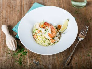 Angel Hair Pasta with Shrimp in White Wine Sauce_Featured